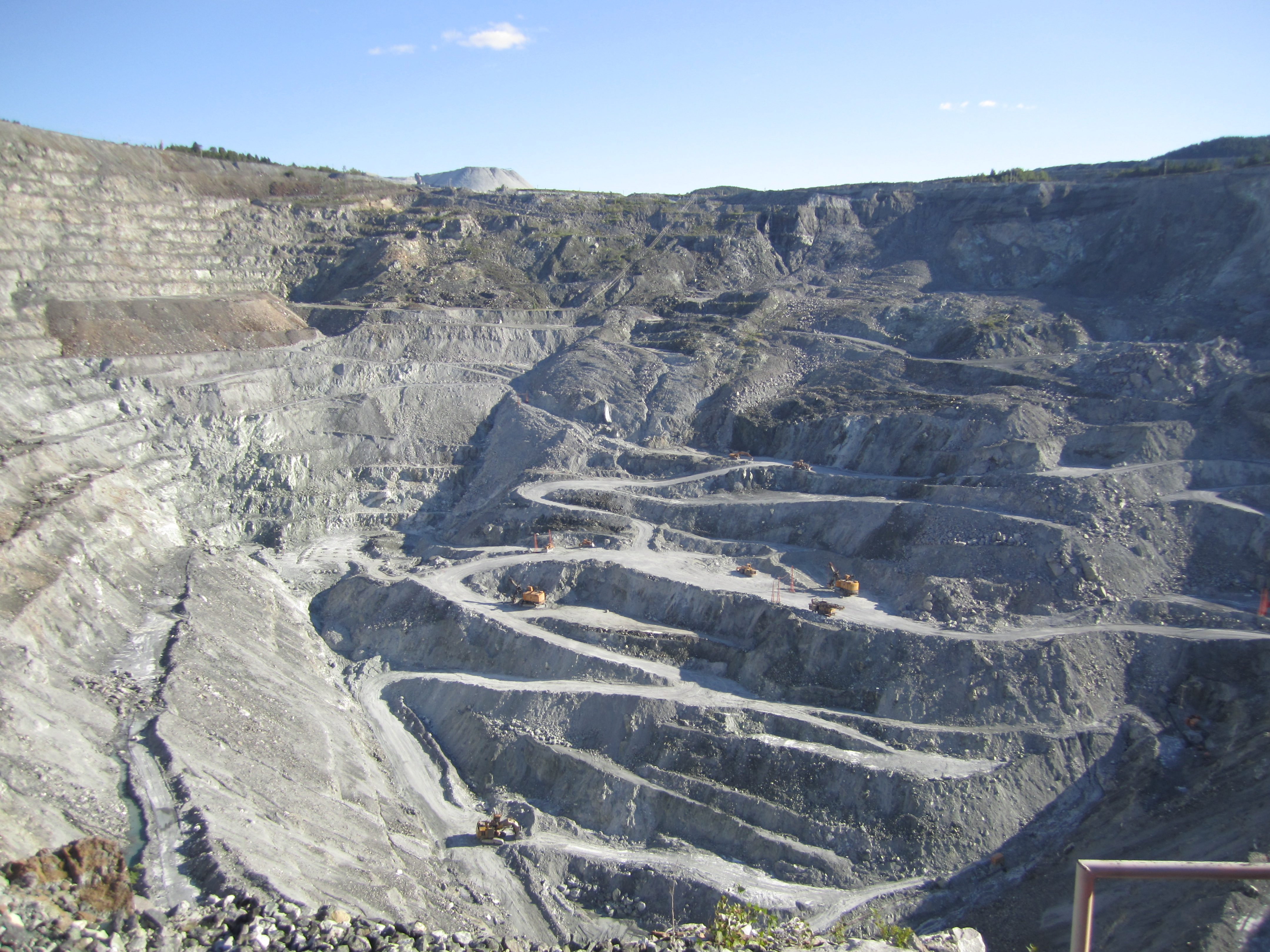 news from quebec   u0026quot closure moved up to the lake asbestos